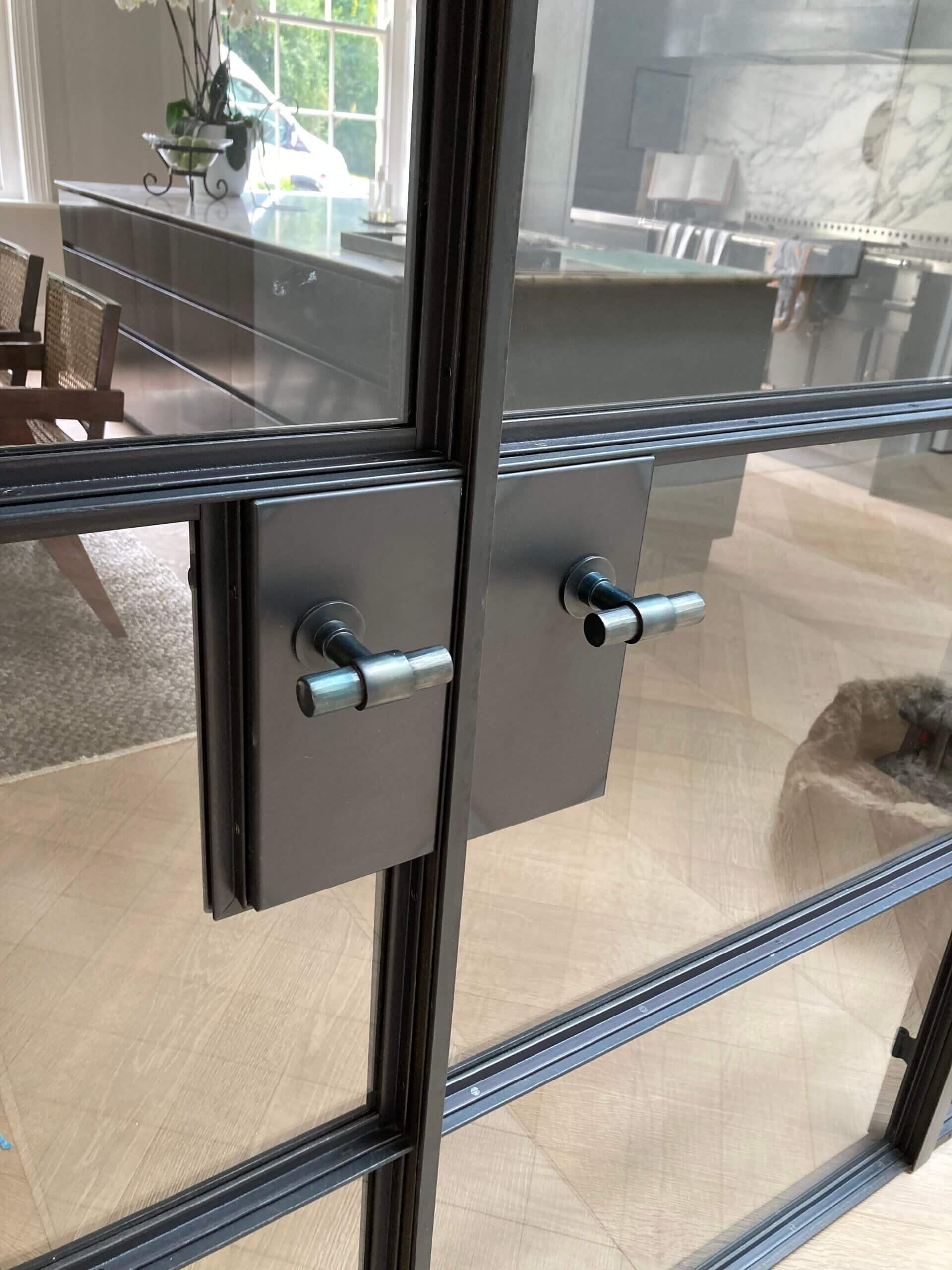 Original Steel doors T bar handle 762