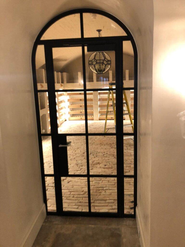 Steel door wihth closer DesignPlus 03